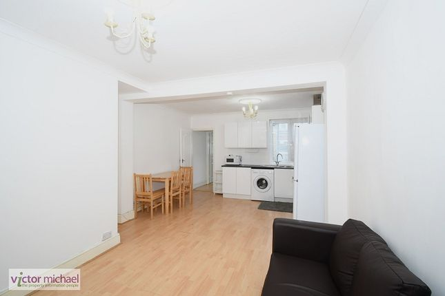 3 bed terraced house to rent in Garfield Road, Plaistow, London. E13
