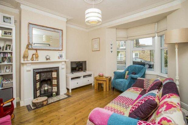 2 bed property to rent in Regent Grove, Harrogate HG1
