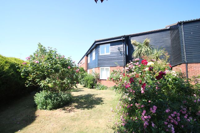 Thumbnail Flat for sale in Lundy Close, Eastwood, Southend-On-Sea