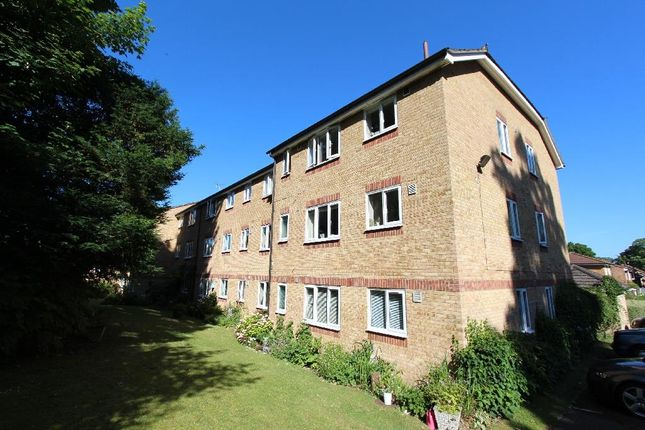 1 bed flat to rent in Dunnymans Road, Banstead