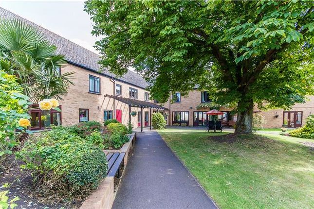 Thumbnail Property for sale in Windmill Grange, Histon, Cambridge