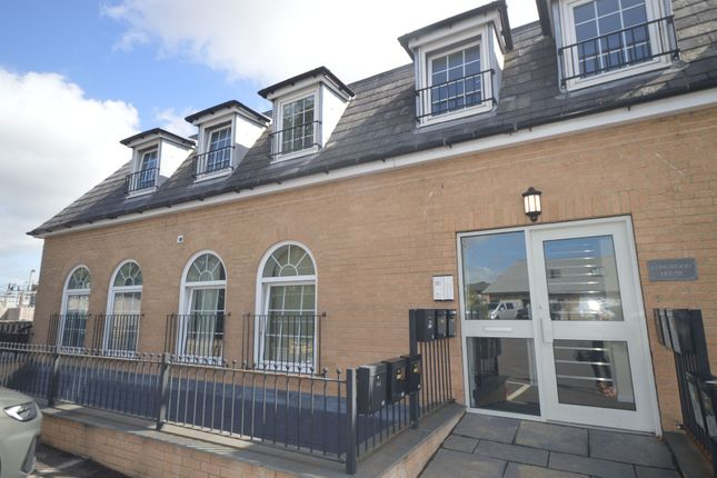 Thumbnail Flat for sale in Longwood House, Love Lane, Cirencester