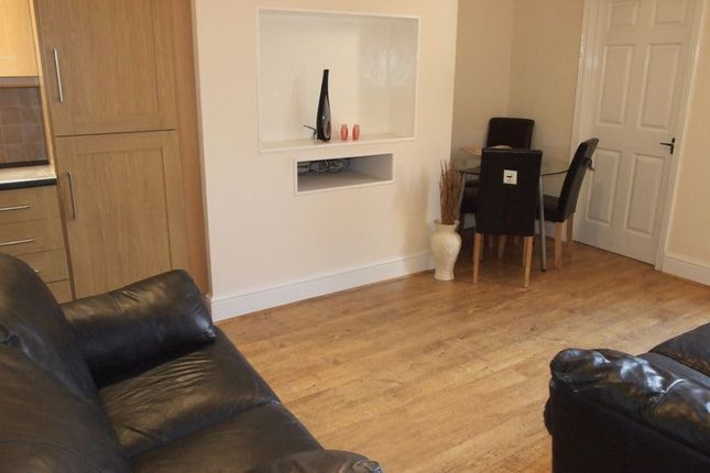 Thumbnail Flat to rent in Newlands Road, High West Jesmond, Newcastle Upon Tyne
