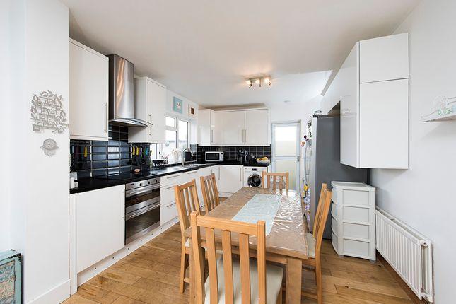 Thumbnail Bungalow to rent in Tennison Avenue, Borehamwood