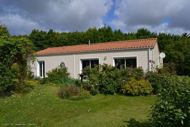 2 bed property for sale in Sauze Vaussais, Poitou-Charentes, 79190, France