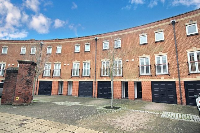 Thumbnail Property to rent in Minerva Crescent Gunwharf Quays, Portsmouth