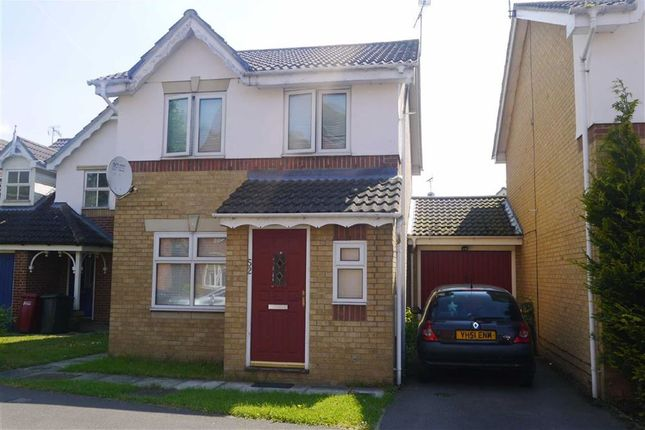 Thumbnail Detached house to rent in Hunters Way, Cippenham, Berkshire
