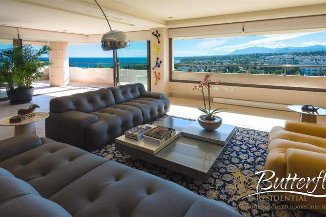 Thumbnail Penthouse for sale in Marbella, Spain