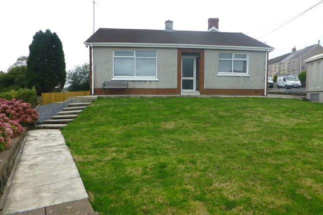 Thumbnail Detached bungalow to rent in Walter Road, Ammanford, Carmarthenshire.