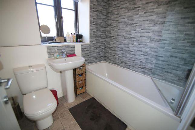 Bathroom of Perreyman Square, Tiverton EX16