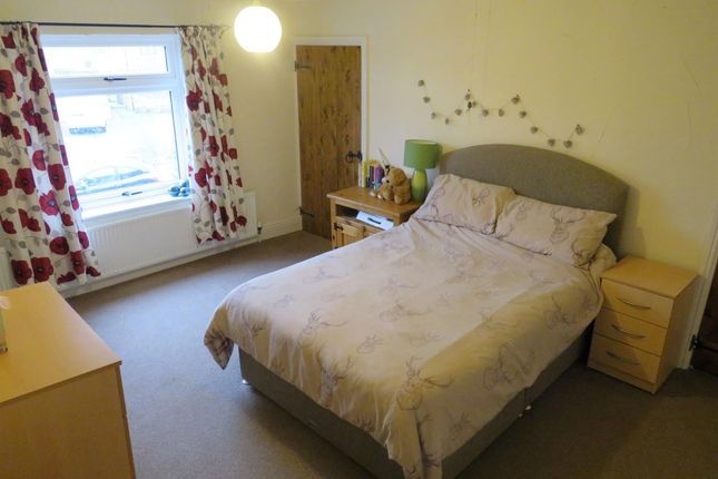 Bedroom Two of High Street, West Cowick, Goole DN14