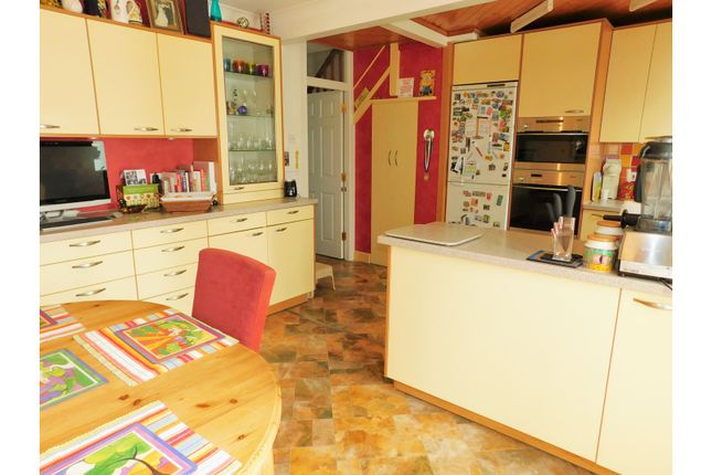 Thumbnail Terraced house for sale in Connaught Avenue, Shoreham-By-Sea