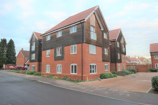 2 bed flat to rent in Merrydown Way, Horam, Heathfield TN21