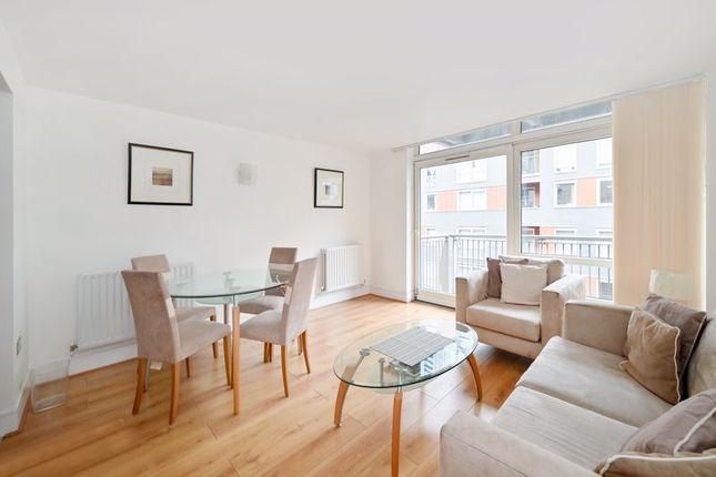 Photo 12 of Moore House, Canary Wharf E14