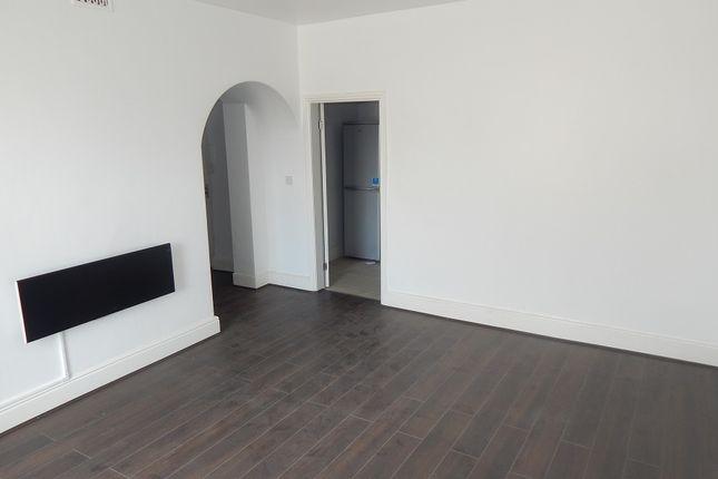Thumbnail Flat to rent in Market Street, Heckmondwike