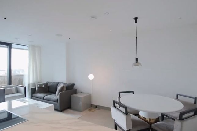 Thumbnail Flat for sale in 30 Lodge Road, London