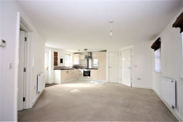 2 bed flat for sale in Bunkers Hill Road, Hull HU4