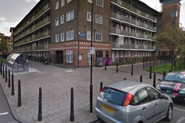Thumbnail Flat to rent in Usk Street, London