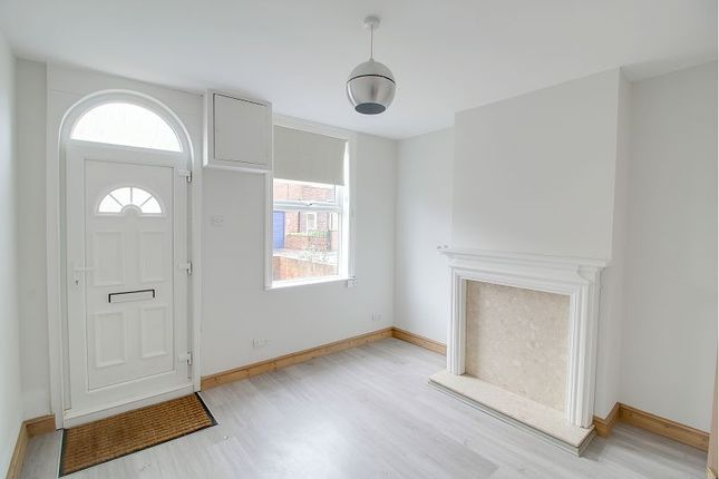 Thumbnail Terraced house to rent in Strawberry Road, Retford