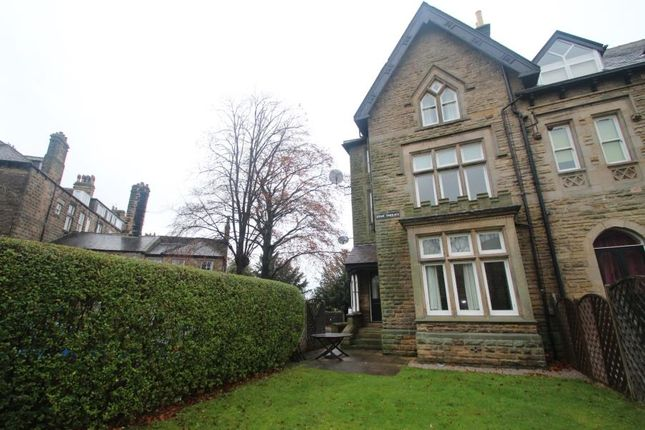 2 bed flat to rent in Eton Court, Knaresborough Road, Harrogate HG1