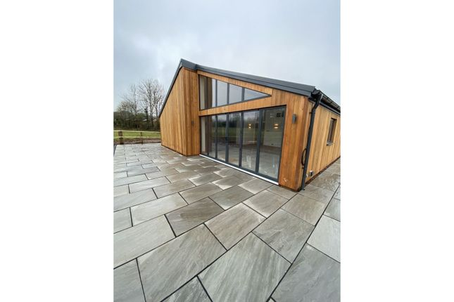 5 bed barn conversion to rent in Kington Lane, Bristol BS35