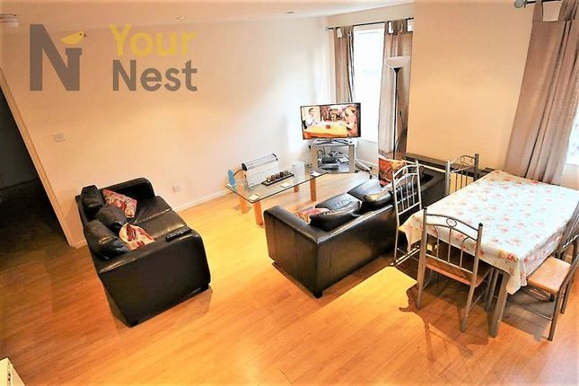 Thumbnail Flat to rent in Flat 5, Cardigan Road, Hyde Park