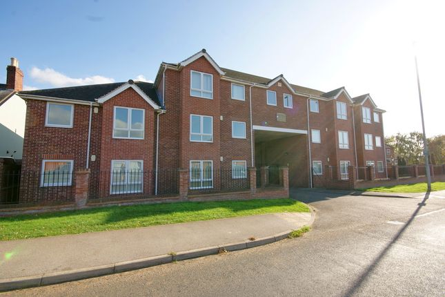 Thumbnail Flat for sale in Lincoln Road, North Hykeham, Lincoln