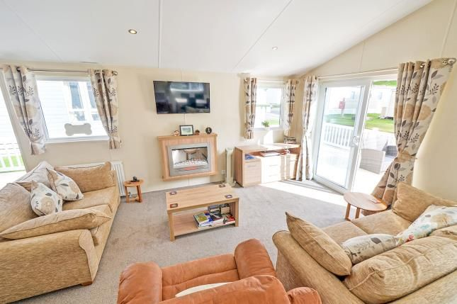 2 bed mobile/park home for sale in Trevelgue, Newquay, Cornwall TR8
