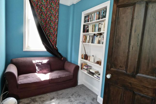 Perfect Dual Aspect 2nd Bedroom