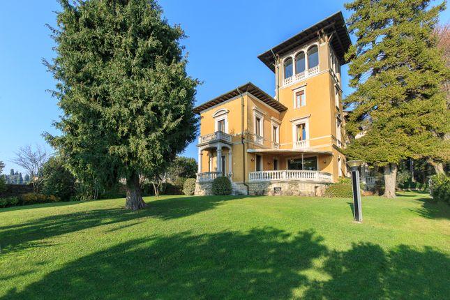 5 bed villa for sale in Bergamo (Town), Bergamo, Lombardy, Italy