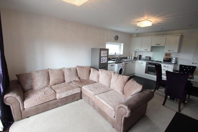 Thumbnail Flat to rent in Longreach, Vickers Lane, Dartford, Kent