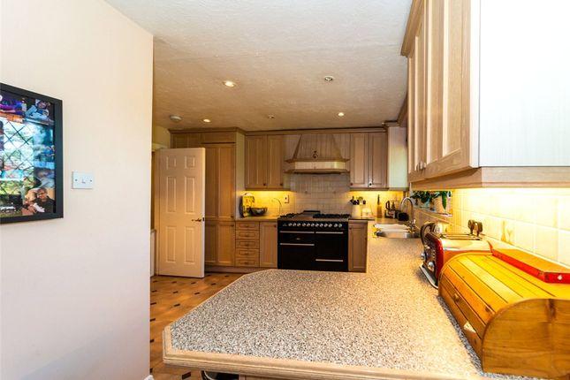 Kitchen Alt 3 of Catesby Gardens, Yateley, Hampshire GU46