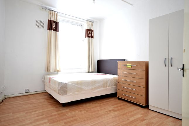 Thumbnail Flat to rent in Ring House, Sage Street, Shadwell