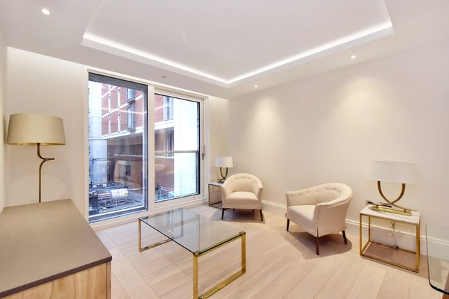 Thumbnail Flat to rent in Strand, Savoy House, London