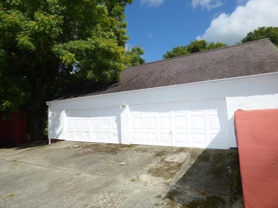 Double Garage of Pentrefelin, Amlwch, Sir Ynys Mon LL68
