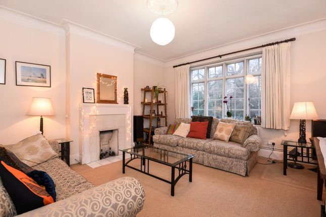 Thumbnail Flat for sale in Southwood Hall, Highgate N6,