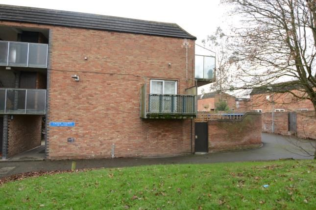Flat for sale in Basildon, Essex