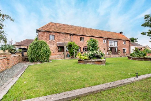Thumbnail Detached house for sale in Stockwith Road, Walkeringham, Doncaster