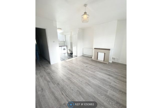 1 bed flat to rent in Chatterton Road, Bromley BR2