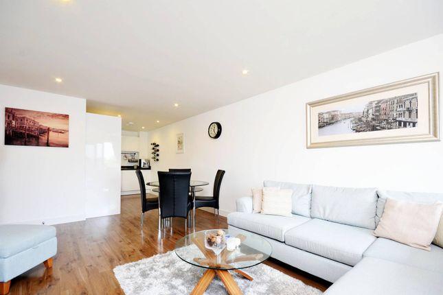 Thumbnail Flat to rent in Ewell Road, Surbiton
