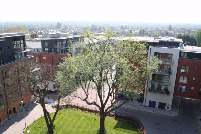 Thumbnail Flat to rent in Birdwood Avenue, London