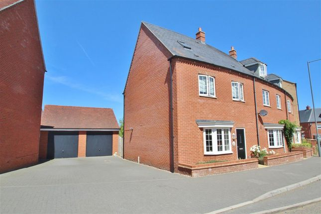 Thumbnail End terrace house to rent in Needlepin Way, Buckingham