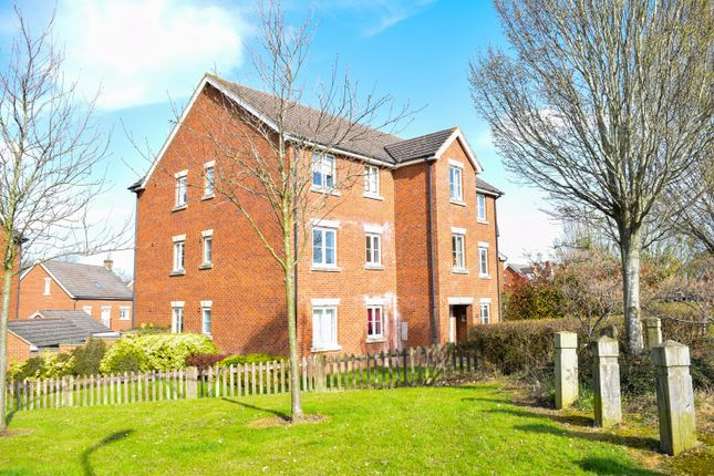 2 bed flat for sale in Plough Close, Daventry NN11