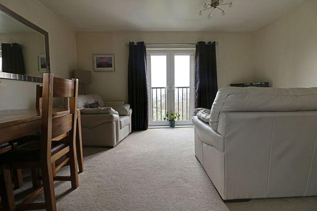 Living Area of Laithe Hall Avenue, Cleckheaton BD19