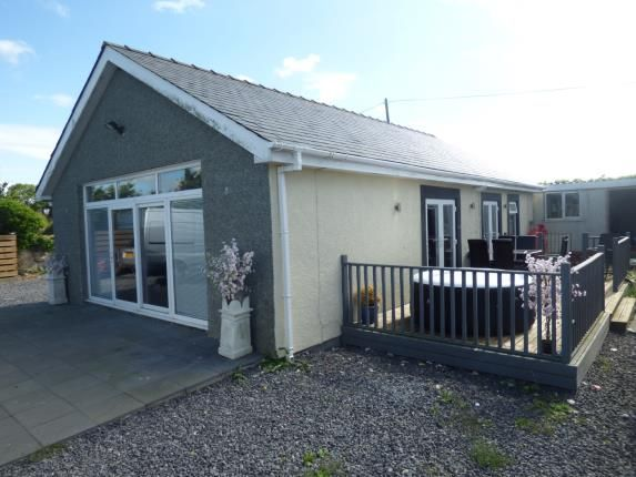 Thumbnail Bungalow for sale in Capel Mawr, Bodorgan, Anglesey