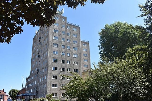 Thumbnail Flat to rent in Tower House, Clarendon Road, Southsea