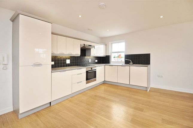Thumbnail Flat to rent in West St Helen`S Street, Abingdon, Oxon