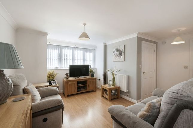 Thumbnail Flat for sale in Marchants, Maidstone Road, Matfield, Tonbridge