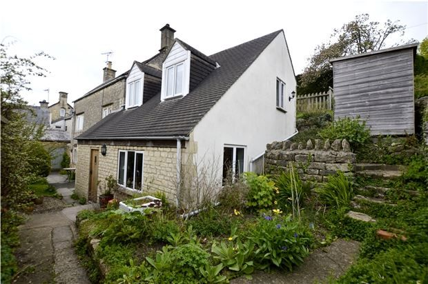 Thumbnail Cottage for sale in Silver Street, Chalford Hill, Gloucestershire