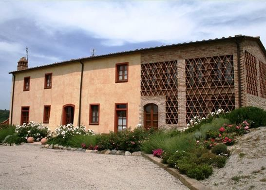 6 bed farmhouse for sale in Pisa Pisa, Italy